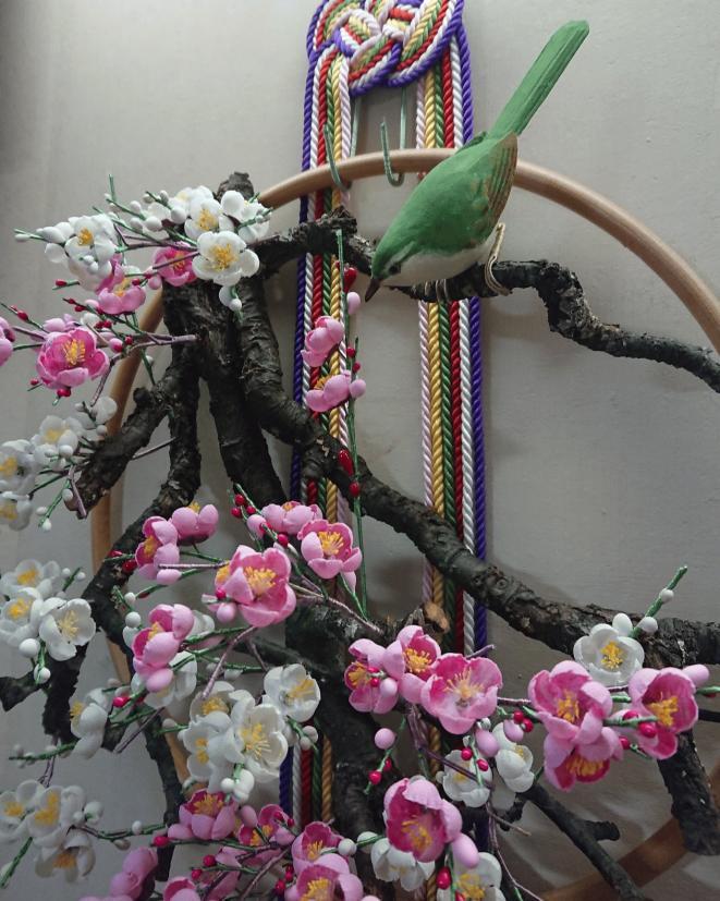 春鶯囀、鶯と梅のアップ